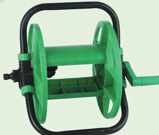 Garden Hose Reels Make Your Garden into Paradise
